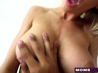 Sisata mamica mu otkriva tajne seksa